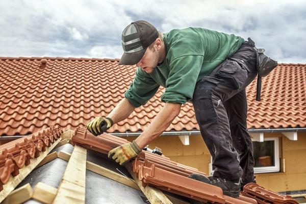 Handwerker wie Dachdecker