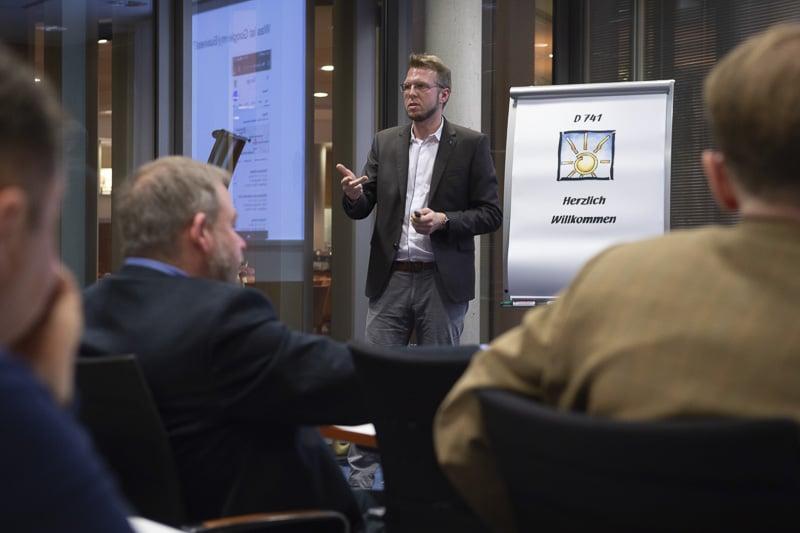 Regelmäßig halten wir Vorträge zum Thema Google my Business und zeigen dort was die Erfolgsfaktoren für optimale Google my Business Profile sind.